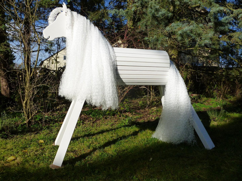 90cm holzpferd weiß mit extra langer mähne und maul - zauberhafte